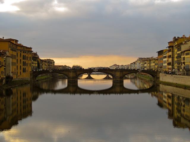 ponte santa trinità florence 14 things to do in Florence