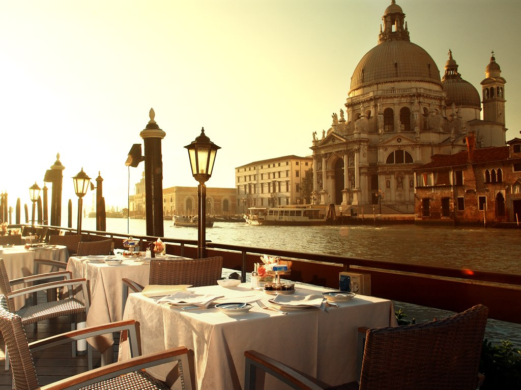 cn image 0.size .hotel gritti palace venice venice italy 106789 1 Romantic getaways for couples in Italy